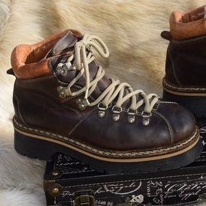 ALDO  Vintage Beesewax Leather Chunky Platform 40